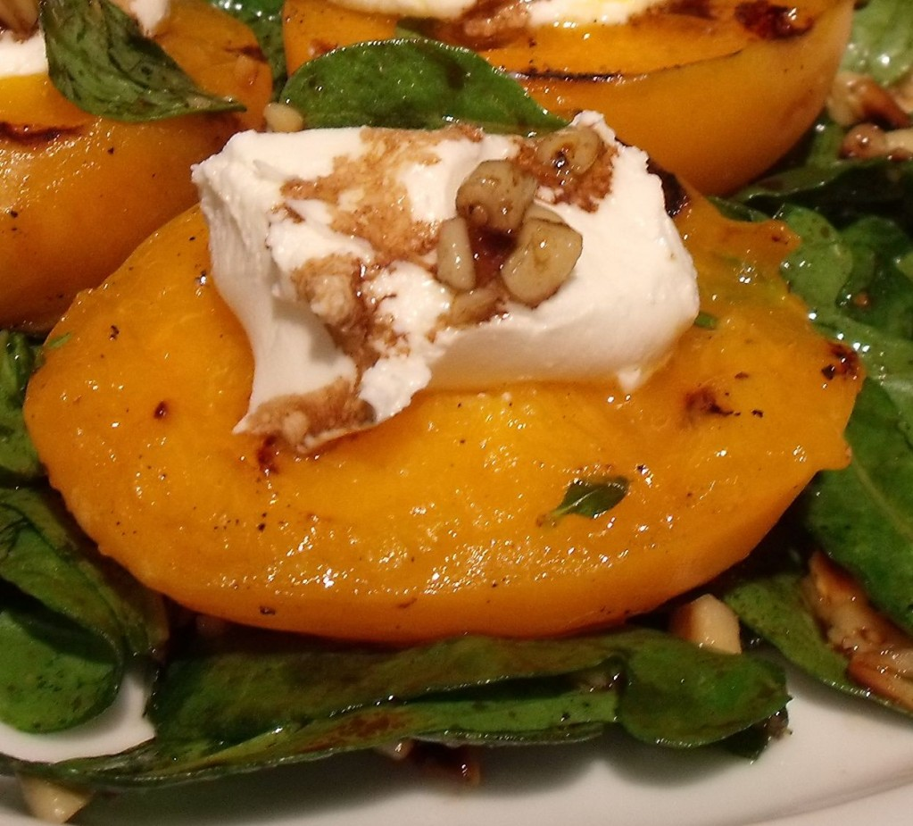 Grilled Apricot, Arugula and Goat Cheese Salad » Recipe Mashups